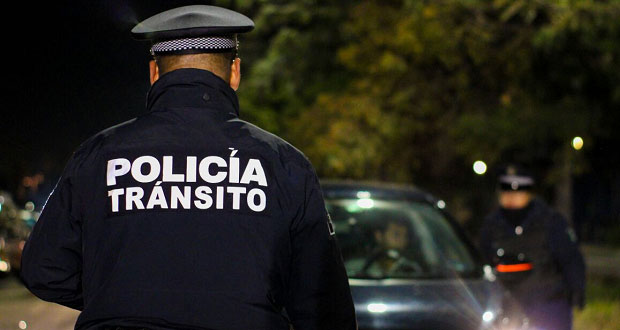 La detienen por dar documentos falsos de auto relacionado con delitos