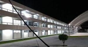 Golpes y amenazas con pistola en rescate de alumna en escuela en Izúcar