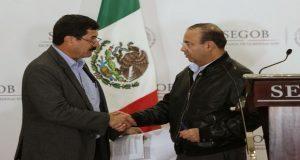 Corral y Segob acuerdan pago de 900 mdp y traslado de Gutiérrez. Foto: La Jornada