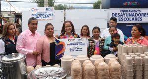 DIF entrega mil 143 despensas a familias de San Gabriel Chilac