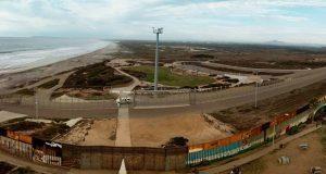 Trump irá a California para ver prototipos del muro fronterizo