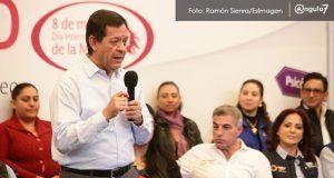 """En ferias del empleo no se ofrecen vacantes """"precarias"""": Roberto Campa"""