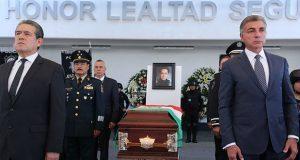 Gali Fayad asiste a homenaje de policía asesinado en Clavijero