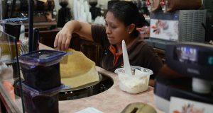 En Puebla, 4.7% labora en comida rápida