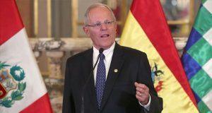 Renuncia presidente de Perú por acusaciones de corrupción