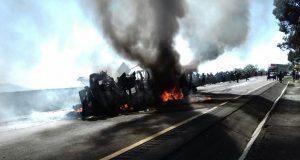 Cierran autopista Puebla-Veracruz por volcadura de tráiler