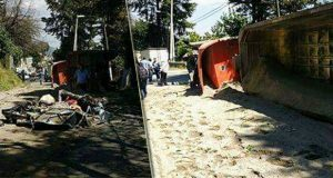 Por volcadura de tráiler mueren 2 adultos y bebé en Huixquilucan