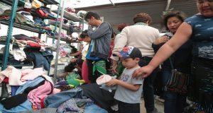 Decenas de migrantes comienzan a llegar a Puebla en su camino hacia la Ciudad de México, son recibidos en la iglesia de la Asunción donde junto con organizaciones apoyan a las caravanas con alimento ropa y salud.