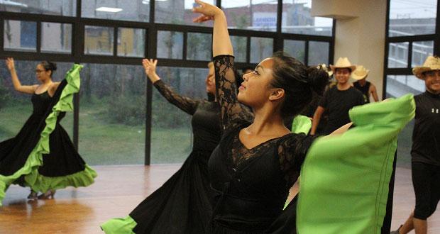 Artistas de Antorcha recuerdan con música y baile a líder fallecido