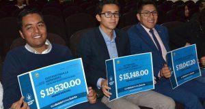 Entregan bonos a alumnos que colaboraron en Sorteo BUAP 2017
