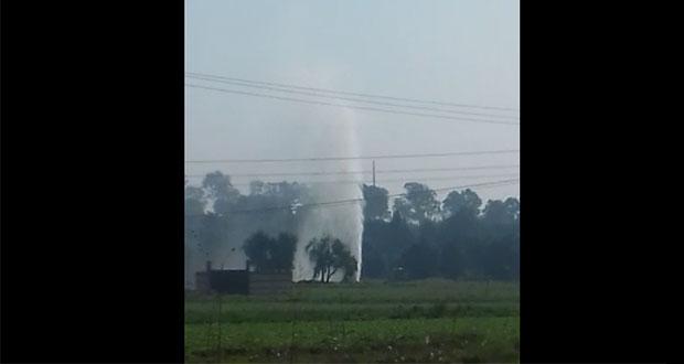 Evacúan escuela de Texmelucan por fuga de combustible en toma ilegal