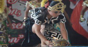 Huitzilan muestra talento en concurso de danza