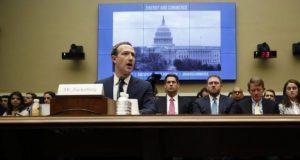 Facebook también recopila datos de personas sin cuenta: Zuckerberg
