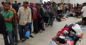 Gobierno ofrece visas humanitarias a migrantes de carava en Oaxaca