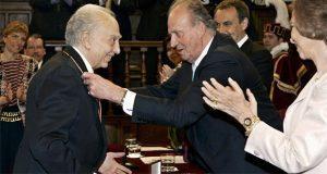 Medalla Cervantes de Sergio Pitol desapareció desde 2016: familia