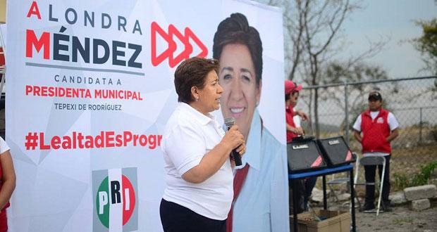 Alondra Méndez promete más obras por el progreso de Tepexi