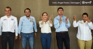 Dinorah López acude a campaña con Rivera, candidatos al Senado y Jiménez