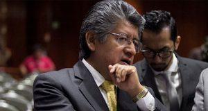 Líder del PRD en San Lázaro renuncia a militancia y se une a AMLO