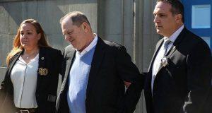 Weinstein queda en libertad vigilada tras imponerle fianza de 10 mdd