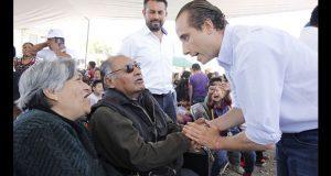 Riestra ofrece gestionar más servicios públicos a colonias de Puebla