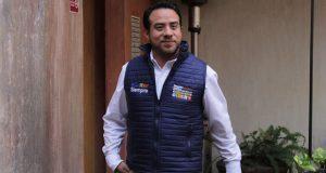 Oswaldo Jiménez promete instalar alarmas vecinas o donará su salario
