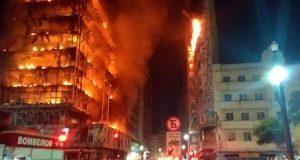 Por incendio, edificio colapsa en Brasil