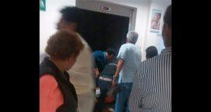 Elevador del Issste se avería y rescatan a 7 personas del interior