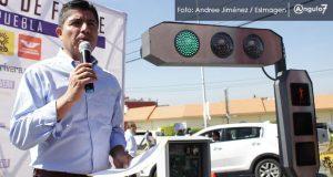 Eduardo Rivera plantea automatización de semáforos con centro de control