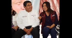 """Al igual que AMLO, Barbosa dice que """"será incómodo"""" si capital la gana el PAN"""