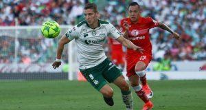 En su casa, Santos viene de atrás ante Toluca para vencer 2-1