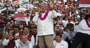 Promete AMLO liberar del huachicol a municipios agrícolas de Puebla