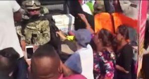 Manifestantes agreden a marinos en Jalisco; los acusan de crímenes