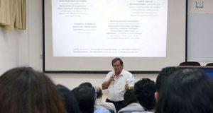 Matemáticas permiten estudiar problemas sociales: experto de BUAP