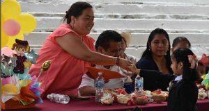 Hernández Pasión mejoró la calidad educativa en Huitzilan: viuda