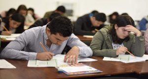 Aplican pruebas de admisión a licenciaturas BUAP; Esparza supervisa