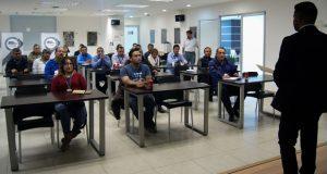 FGE de Puebla y Uber capacitan en autoprotección a 200 conductores