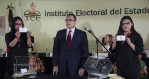 Moderador de debate decidirá cuándo apagar el micrófono a candidatos