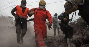 Suman 65 muertos y 46 heridos por erupción de volcán en Guatemala