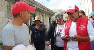 Rosario Sánchez expone sus propuestas a vecinos de colonia Azteca