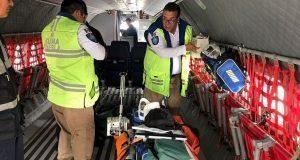 SUMA Puebla traslada guatemaltecos heridos por erupción de volcán