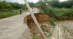 Inundación y socavón en Tehuacán, saldo de lluvias por Carlotta