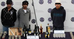 Detienen a 3 probables asaltantes de tiendas Oxxo en Puebla capital