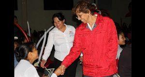 Edith Villa se compromete a gestionar apoyos para Ajalpan