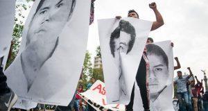 Por fallas de PGR, tribunal ordena reponer el caso Ayotzinapa