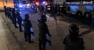 Granaderos bloquean paso a caravana de la CNTE y los retienen cerca de la CAPU