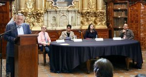 Realizan homenaje al escritor Sergio Pitol en biblioteca Palafoxiana