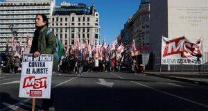 Convocan a huelga de 24 horas contra presidente de Argentina