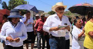 Lisandro Campos expone propuestas en Santiago Miahuatlán