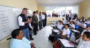 Gali supervisa reconstrucción de escuelas en Tepexi y Xochitlán