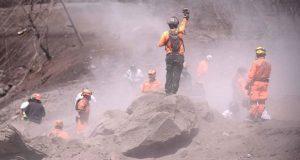 Suman 101 muertos por erupción de Volcán de Fuego en Guatemala